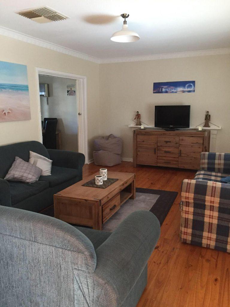 PJ in Adelaide (Australien) - Unterkunft bei Doyle - Wohnzimmer