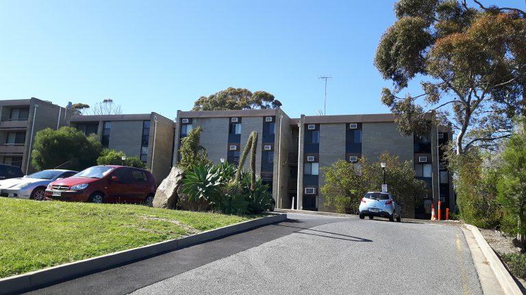 PJ in Australien (Adelaide) - Unterkunft - FMC flats Gebäude
