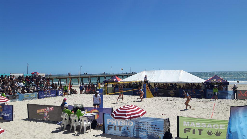 PJ in Australien (Adelaide) - Freizeitaktivitäten - Beachvolleyball