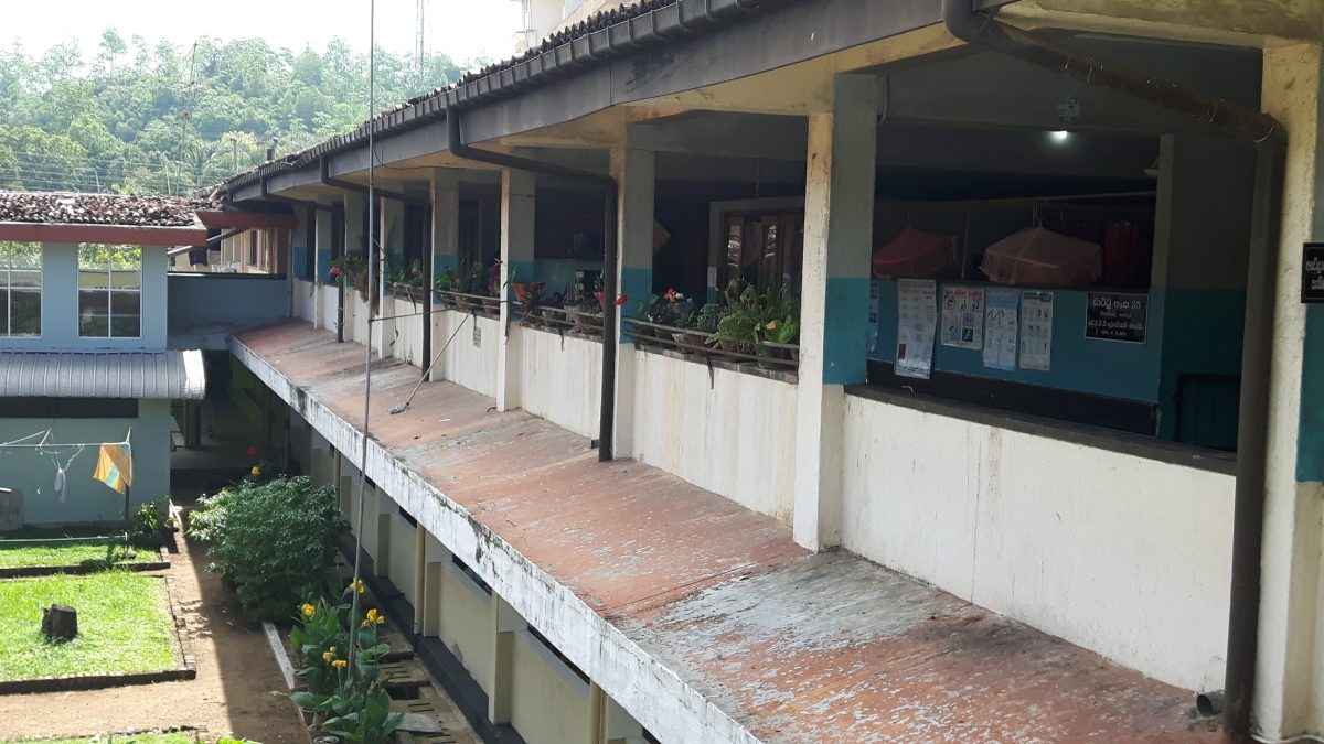 PJ in Sri Lanka (Galle) - Ablauf in der Chirurgie - Station im Karapitya Hospital