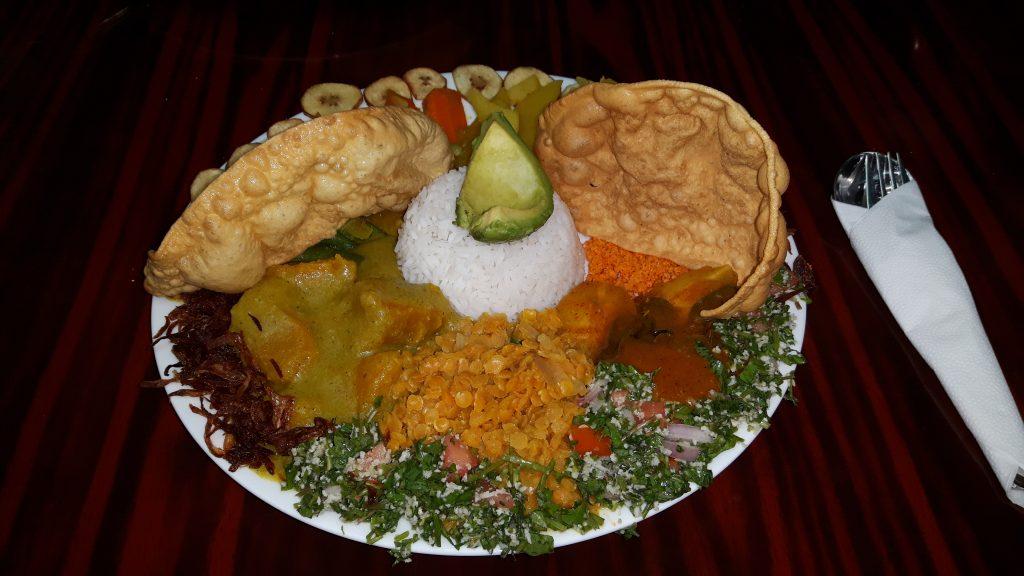 PJ in Sri Lanka (Galle) - Freizeitaktivitäten - Curry Essen bei Meewitha