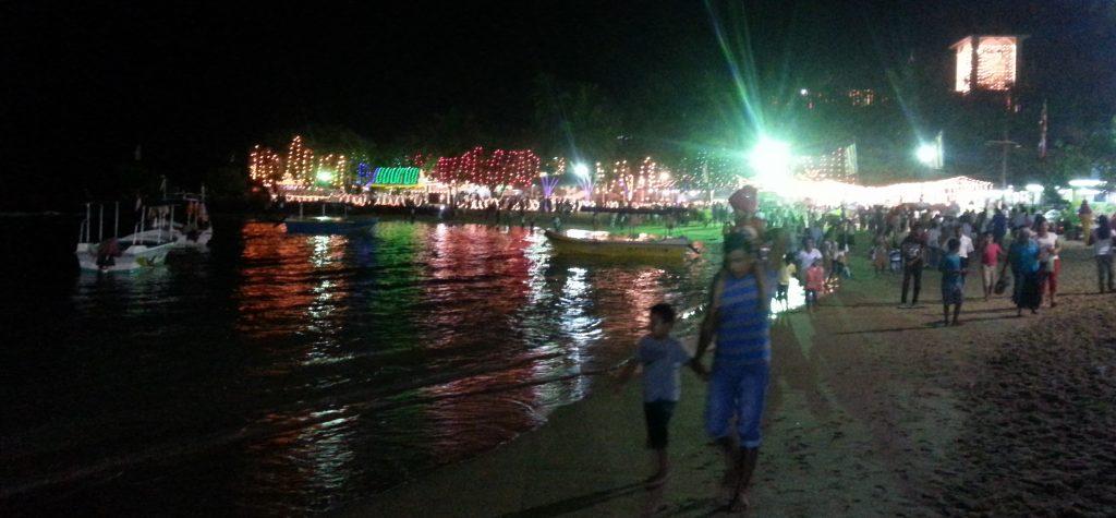 PJ in Sri Lanka (Galle) - Freizeitaktivitäten - Unawatuna Fest