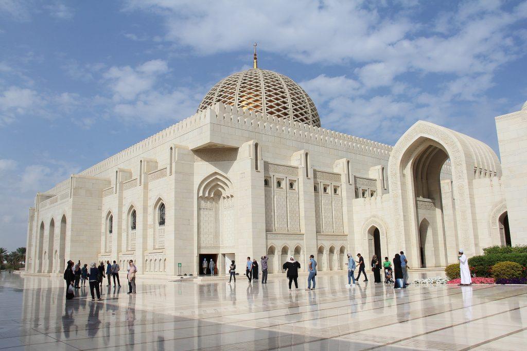PJ im Oman (Maskat) - Freizeitaktivitäten - Sultan Moschee - by pixabay